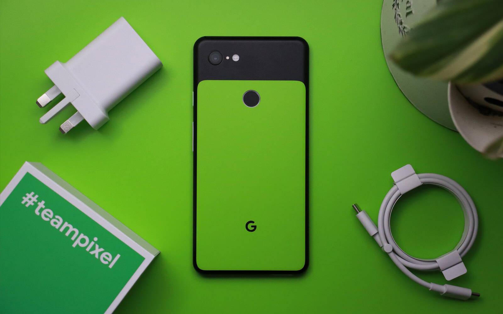 Google Pixel 3 XL Matt Black and Matt Green Skins