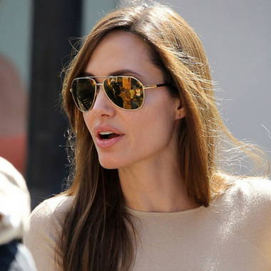 1890120b31ce What Sunglasses are Celebrities Wearing? | Sunglasses and Styles as ...