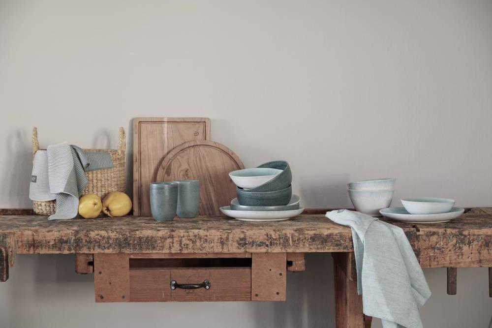 kitchen accessories crockery linen table linen