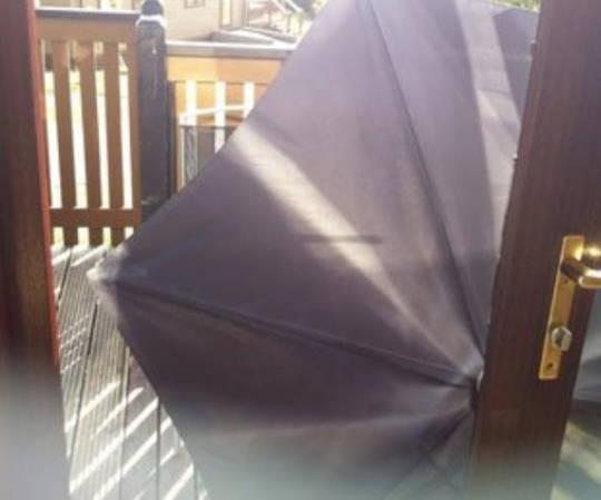 Væltet parasol
