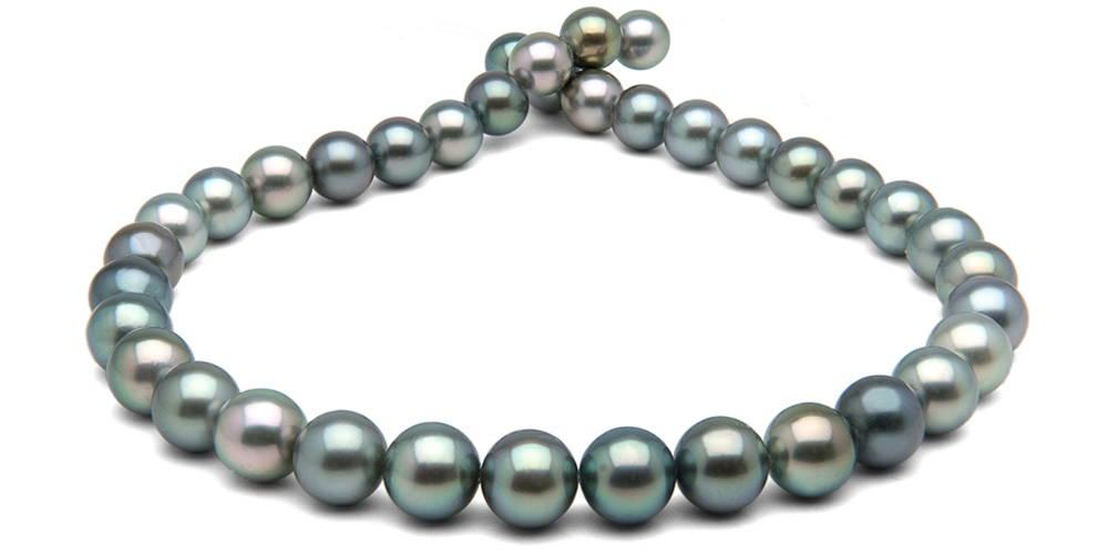 Pearl Colors: Blue-Overtone Tahitian Pearls