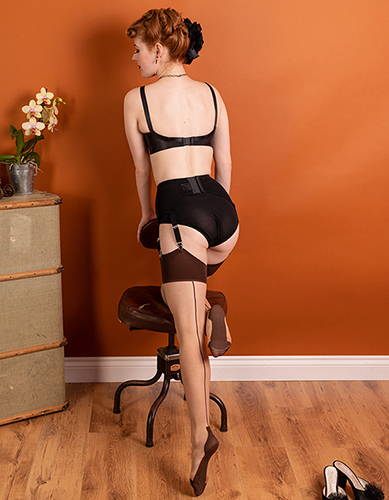 Cuban Heel Seamed Stockings | Contrast Coffee Nude