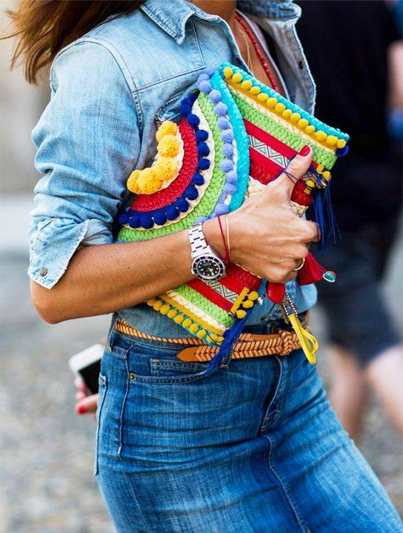 How to Wear Clutch Bags