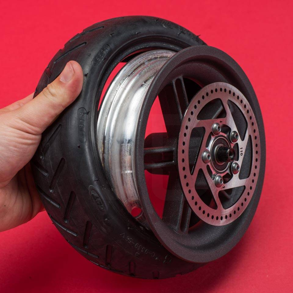 Xiaomi Mi M365 Electric Scooter tyre change tire puncture rear wheel release