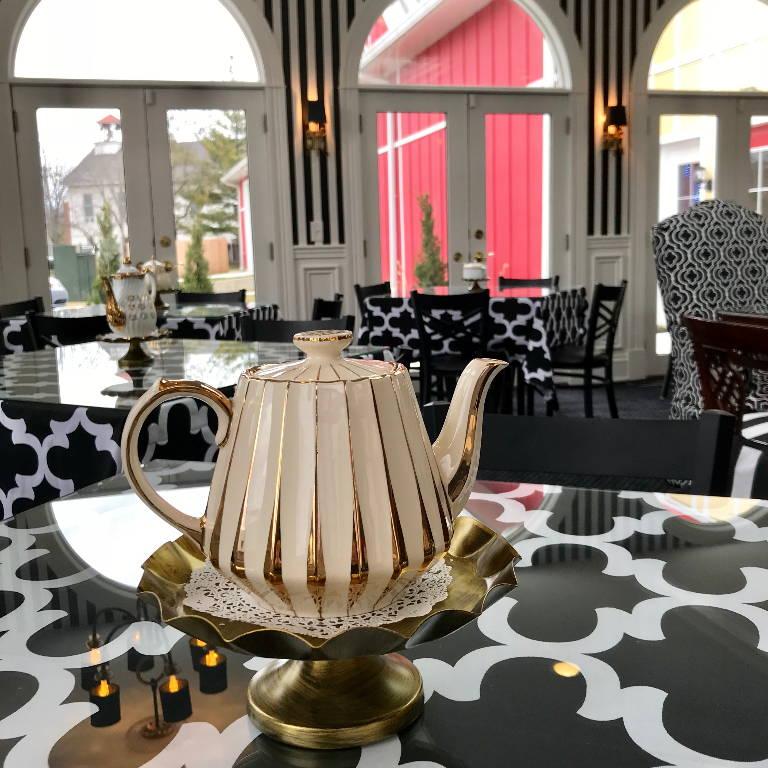 Doscher's Tea Room Pot 1