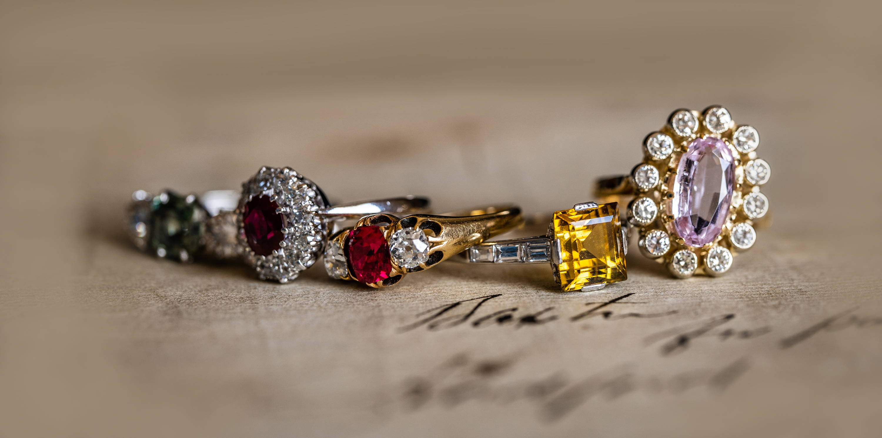 Our Top 5 Alternatives To  A Diamond Ring