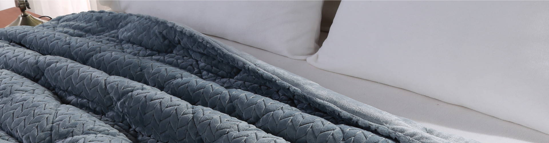 Braided comforter set