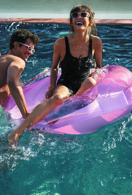 IZIPIZI x Sunnylife Collaboration Sunglasses Pool Floats