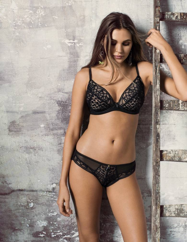 Freya Soiree Lace AA5013 Black Padded Plunge Bra