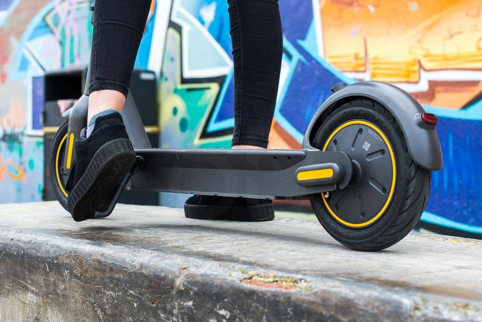 Ninebot Max G30 Electric scooter kickstand collapse