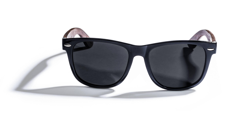 Kraywoods Challenger, wayfarer sunglasses made from ebony wood with polarized dark lenses