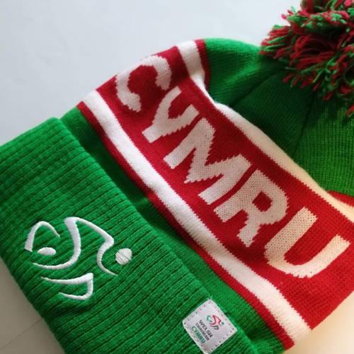 Welsh Triathlon bobble hat