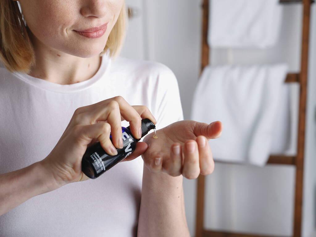 Abschminken mit Mandelöl | Five Skincare